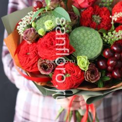 Букет с лотосом и гибридными розами