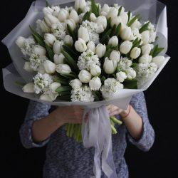купить букет белых тюльпанов